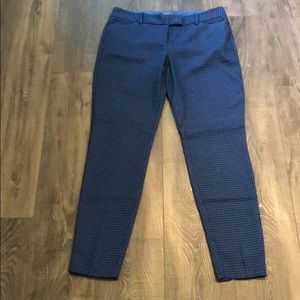 Size 4 houndstooth blue and black pants.